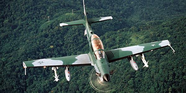 Brasil concede crédito para a venda de seis aviões EMB-314 Super Tucano
