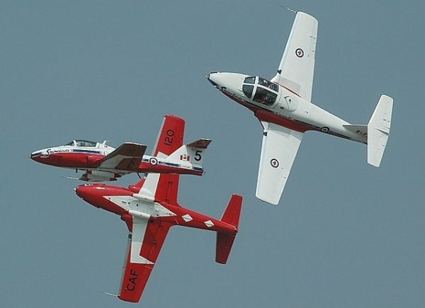 RCAF Acrobat Snowbirds5