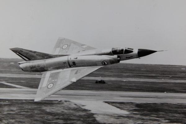 Le Mirage IIIC dans toute sa splendeur et la finesse de ses traits.