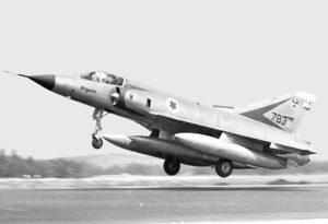 Mirage IIICJ en action.