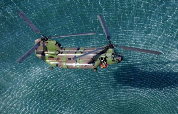 Boeing-Vertol CH-47D Chinook.