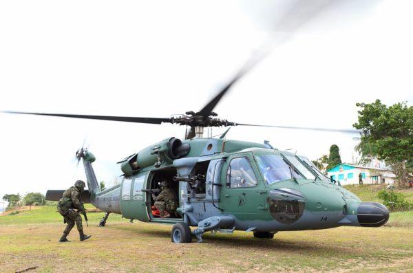 Sikorsky UH-60L Blackhawk.