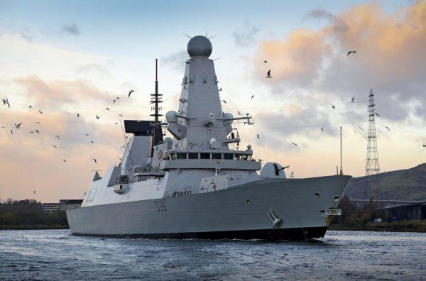 Le HMS Defender.