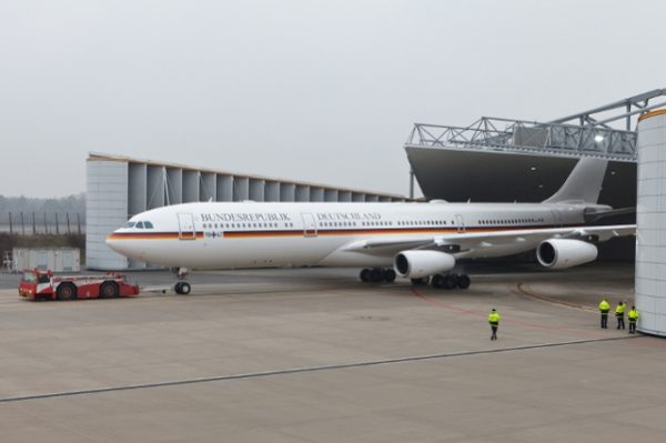 Airbus A340-300.