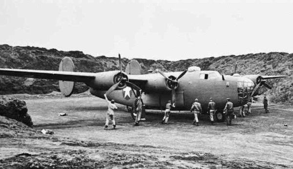 Alaska B-24D_Preflight1942