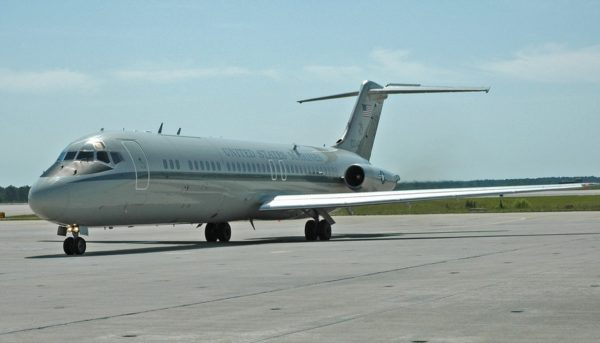 McDonnell Douglas C-9B Skytrain II.