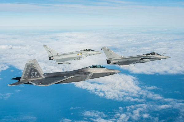 Rafale-Typhoon-Raptor-photoppal_USAF