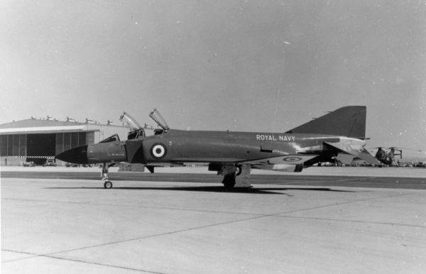 L'avion de présérie McDonnell YF-4K Phantom II.