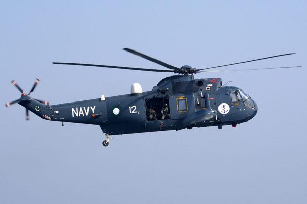 Particularité des Sea King pakistanais, ils peuvent tirer le missile français Exocet.