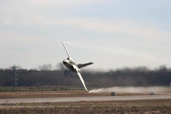 Juste pour montrer que le successeur n'est pas en reste : un Tornado de la RAF