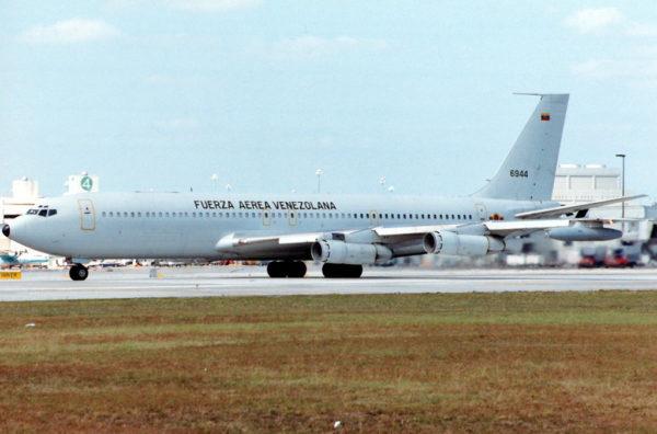 Boeing 707-384CKC