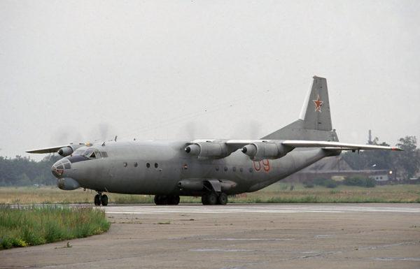 Antonov An-12.FAé Russe