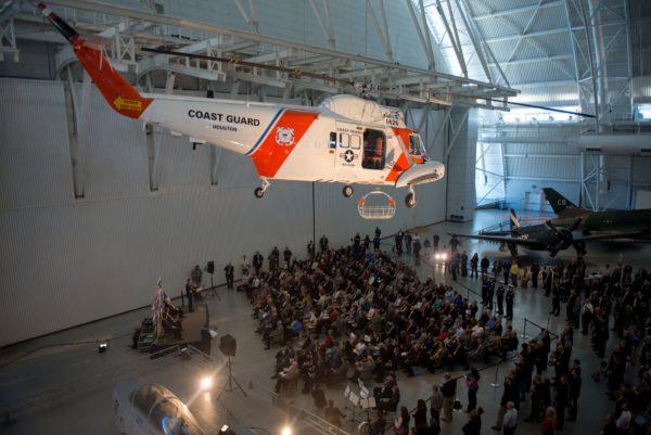 Le Sikorsky HH-52A Seaguard dans son nouvel écrin.