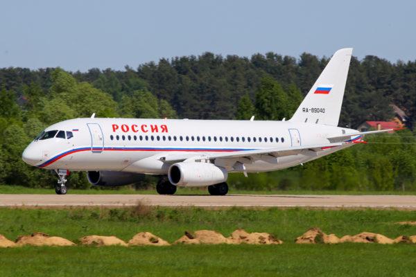 Sukhoi S-100 Superjet.FAé Russe