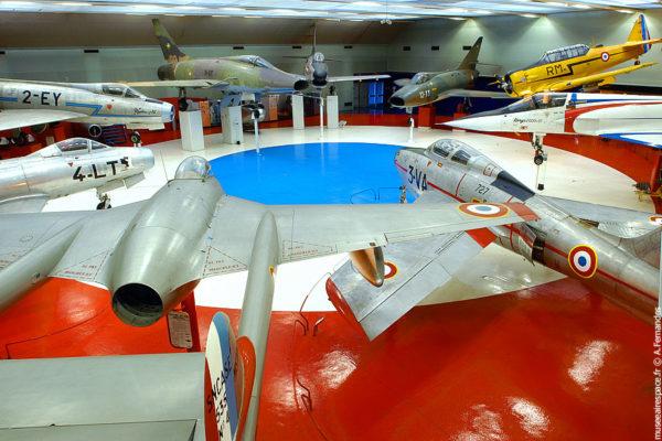 Le hall de la cocarde au Musée de l'Air et de l'Espace du Bourget