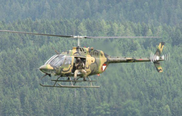 Bell OH-58B Kiowa.FAé Autriche_Wikimédia
