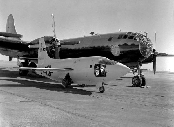 Bell XS-1.Boeing B-29_Wikimédia