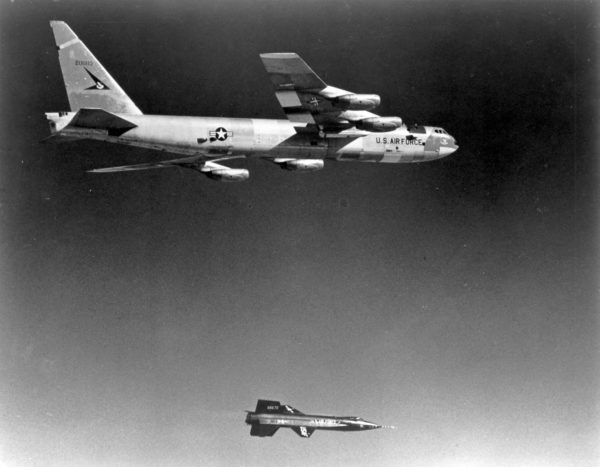 Boeing-NB-52A.X-15_Wikimédia