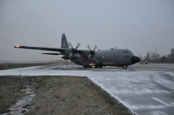 Lockheed C-130E-Pologne AF_Wikimédia