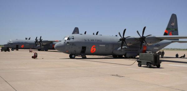Les Super Hercules aussi participent à la mission.