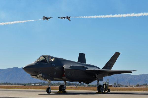 Thunderbirds.F-16C-F-35A_USAF