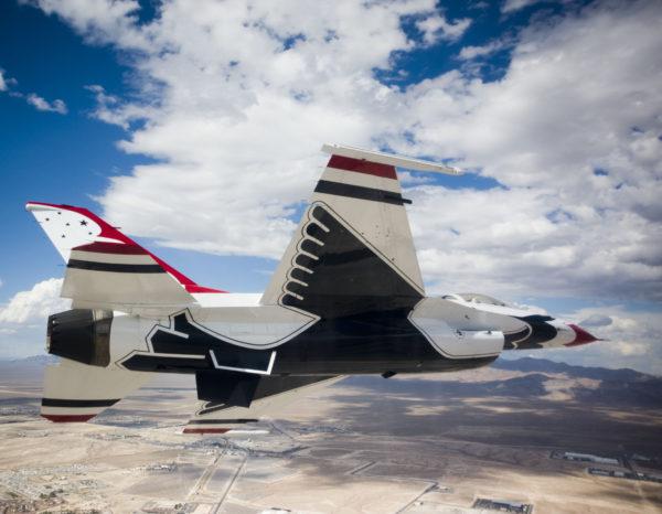 Thunderbirds.F-16C.oiseau_USAF