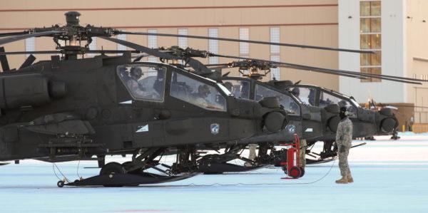 1-25th ARB.AH-64D Apache tarmac_USDoD