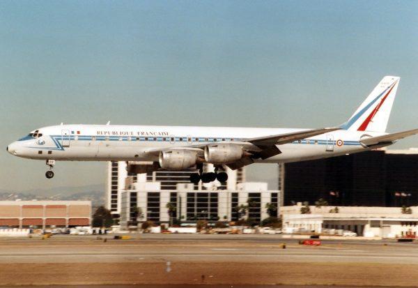 Le Douglas DC-8, autant transport présidentiel que bonne à tout faire à long rayon d'action.