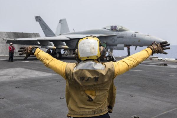 USS Harry Truman-Daech-Chien jaune_USN
