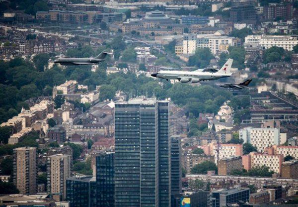 Airseeker, Sentinel, et Tornado dans le ciel londonien.