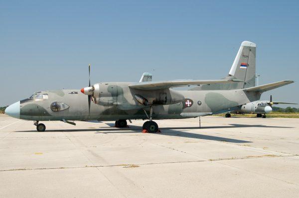 Antonov An-26.Serbie_Wikimédia