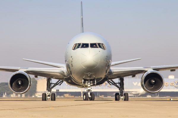 De face le ravitailleur en ressemble à un simple avion de ligne.