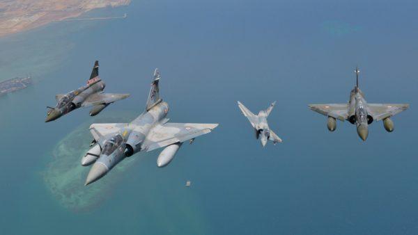 Mirage 2000D et 2000-5F du 3/11 Corse, en patrouille commune.