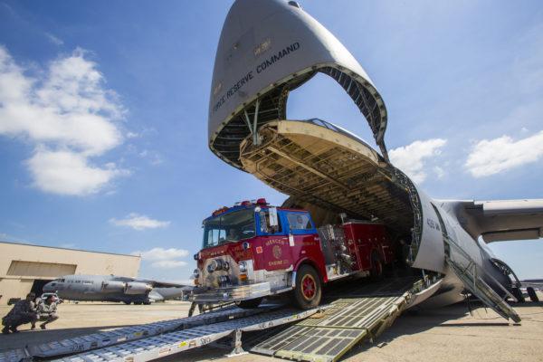 C-5B Galaxy.camion de pompier.sujet_USAF