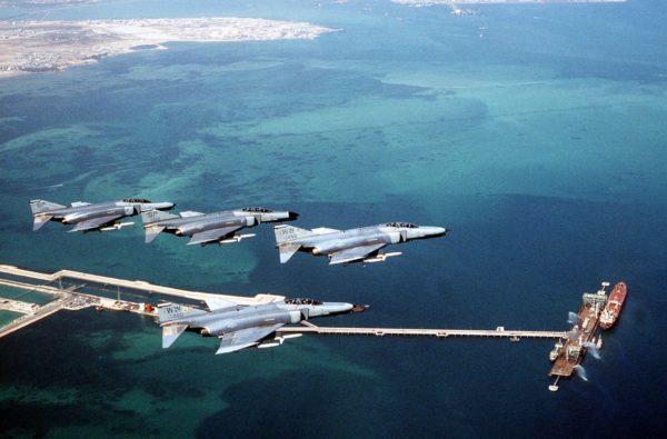 Patrouille de F-4G Wild Weasel à l'entraînement dans le Golfe.