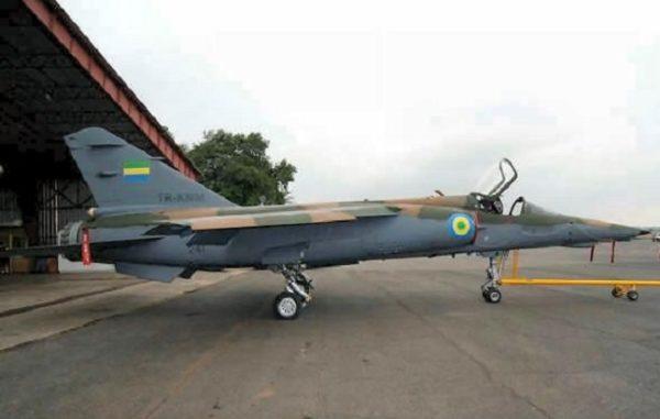 Mirage F1-AZ dans sa nouvelle livrée gabonaise.