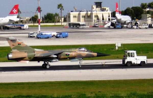 Mirage F1-AD sous la nouvelle cocarde libyenne.