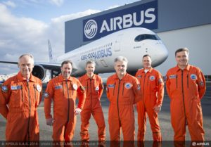airbus-a350-1000-first-flight-crew-013