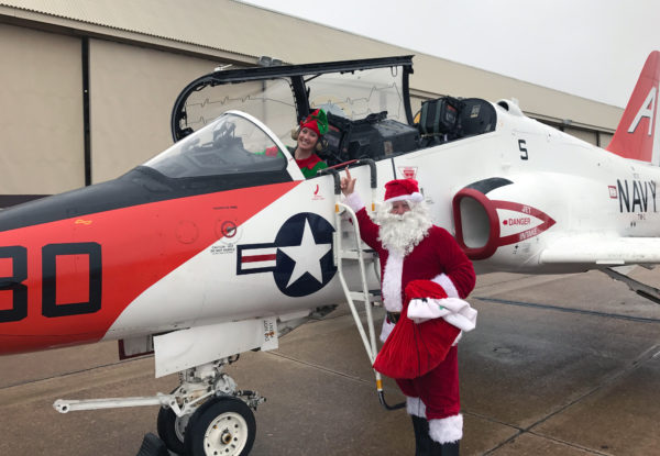 Père-Noël-elfe_US-Navy