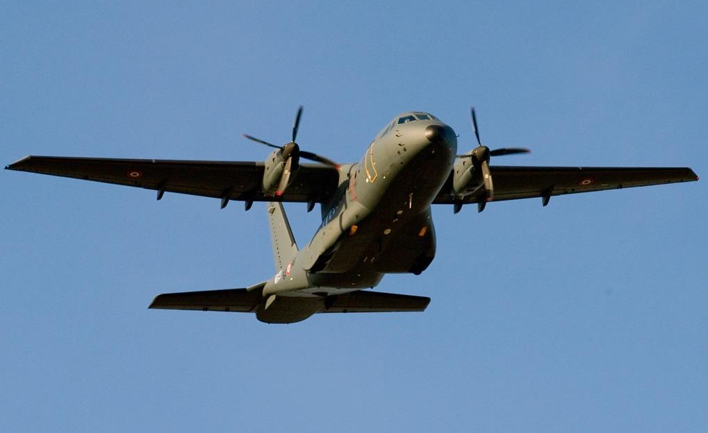 poisson d 39 avril airbus defense space navalise quatre cn 235 pour la marine nationale. Black Bedroom Furniture Sets. Home Design Ideas