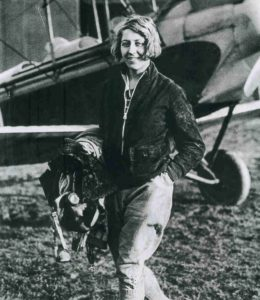 Amy-Johnson-886x1024
