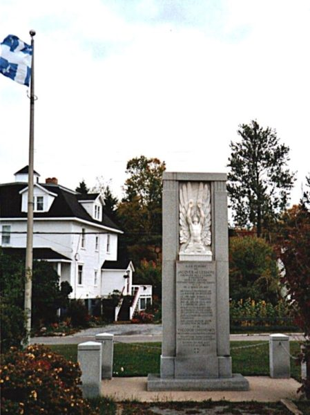 Lesseps monument