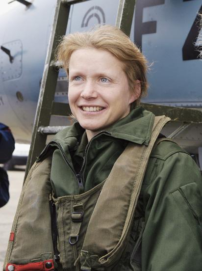 Caroline Aigle Biographie Avionslegendaires Net