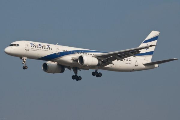 Boeing 757 israélien de la compagnie El Al, immatriculé 4X-