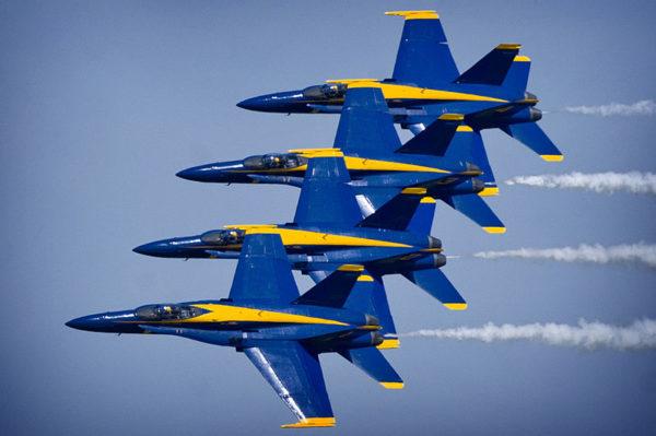 Les célèbres Blue Angels de l'US Navy.