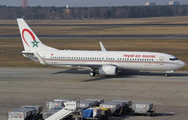 L'immatriculation marocaine CN-RNU apparait parfaitement sur le bas du fuselage de ce Boeing 737-800.