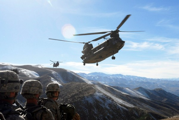 Increvable Chinook, toujours sur la brèche avec les G.I.'s.