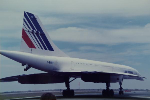 Sur ce cliché d'un Concorde d'Air France l'importante garde au sol de l'avion apparait nettement.