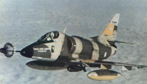 Le Douglas A-4 Skyhawk, un des principaux avions engagés aux Malouines par les Argentins.