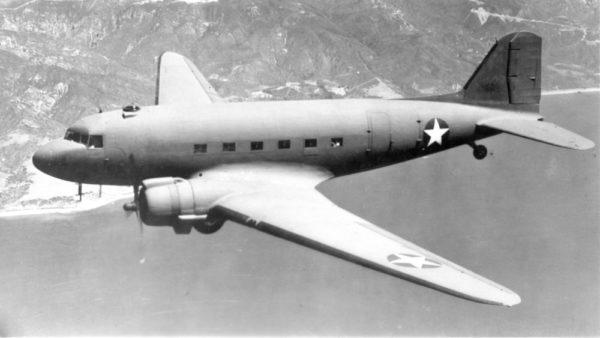 Présente t-on encore le Douglas C-47 Skytrain ?